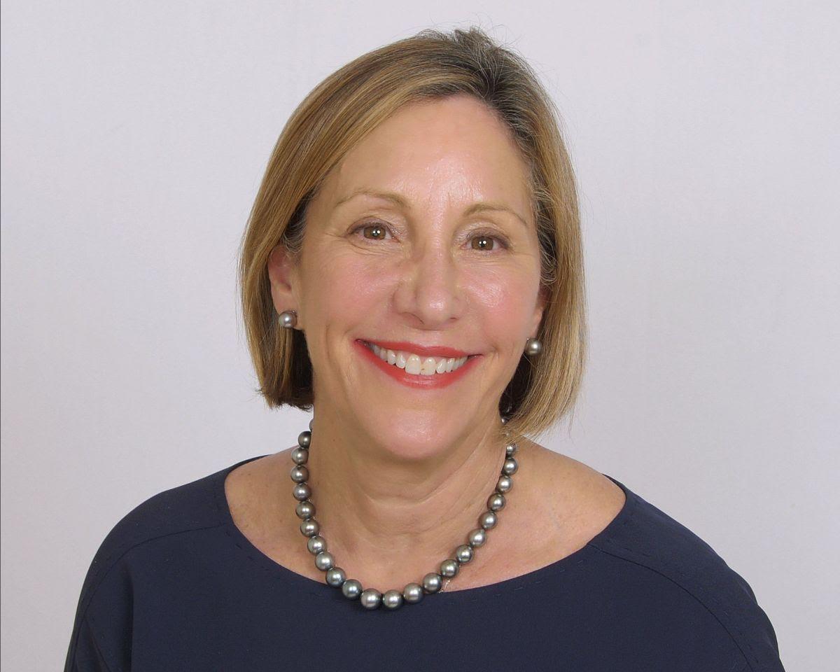 Tracy Weintraub, MSN, RN is the new Vice President, Leadership Liaison, Interim Leadership Services.